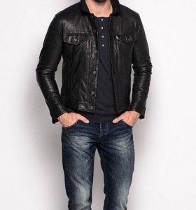 Levi's кожаная куртка новая .