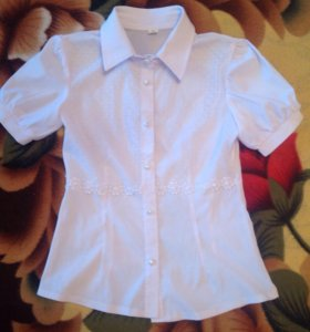 Школьная блуза. Состояние отличное.
