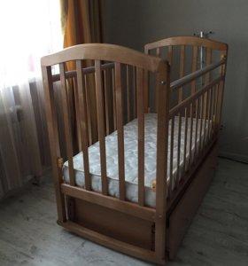Продаю новую кроватку и матрас, кровать маятник