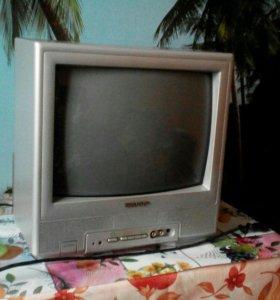 Цветной телевизор Sharp.