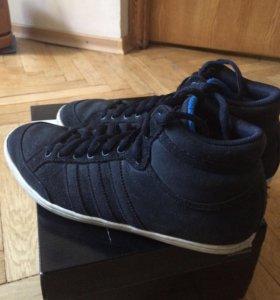 Кроссовки Adidas (24,5-25,0 см)