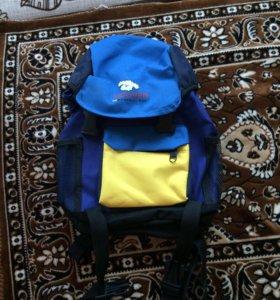 Рюкзак детский совсем новый