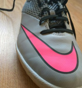Бутсы. Сороконожки Nike Mercurial JR
