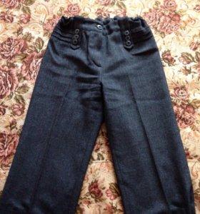 Тёмно-серые брюки на девочку 40 размера
