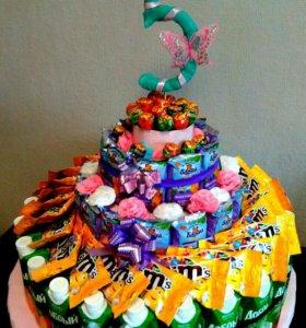 Торт из сладостей!!!