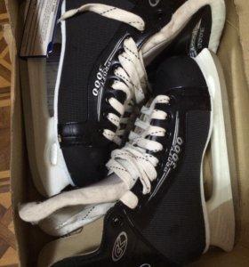 Хоккейные коньки, размер 42