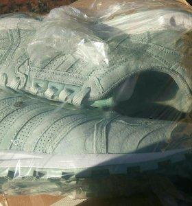 Кроссовки adidas(Америка)