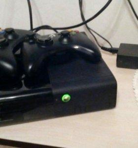 Xbox 360 E 250 gb + kinect