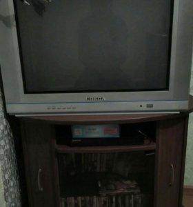 Телевизор с тумбой,работает.