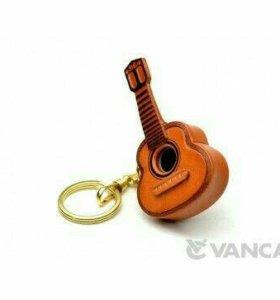 Кожаный брелок - Гитара