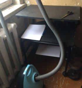 Пылесос Самсунг 1300W +столик