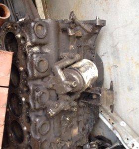 Блок с коленвалом и поршневой ДВС TD23 Nissan.