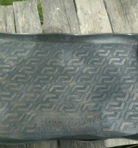 Коврик в багажник на калину