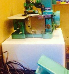 Швейная машина 3 ниточная, краеобметочная