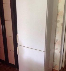 Продам холодильник Polar