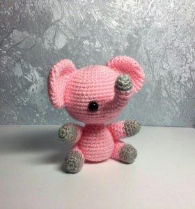 Слоненок-игрушка