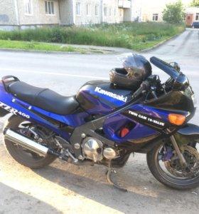 Kawasaki zzr-400 1