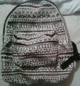 Красивый, качественный рюкзак
