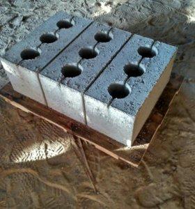 Блоки вибропрессованые