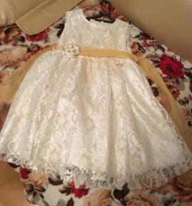 Красивое платье на девочку