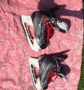 Хоккейные коньки Bauer Vapor x90 размер 39-40 6.5
