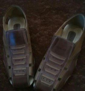Мужские сандалии новые