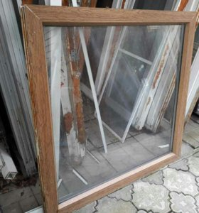 Окно коричневое 114*117 .