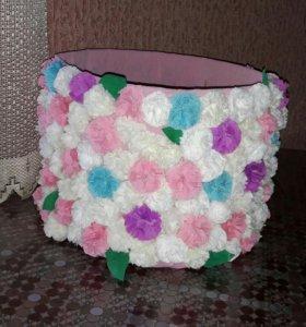 Круглая коробка обклееная цветами