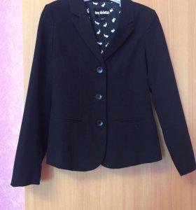 Школьная форма. Пиджак для девочки
