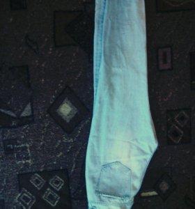 Широкие брендовые джинсы