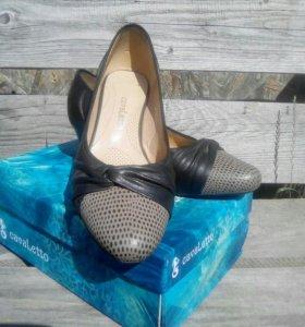 Женские туфли на каблуке. Кожа.