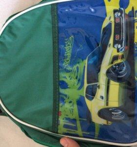 Сумка-рюкзачок с машинками Хотвилс для мальчиков.