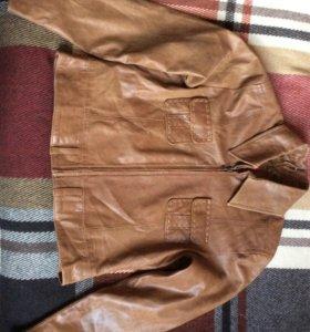 Куртка кожаная короткая