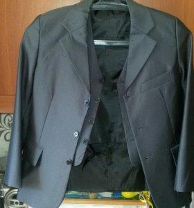 Пиджак и жилет (брюк к сожалению нет)