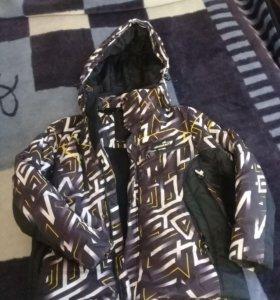 Куртка от горнолыжного костюма