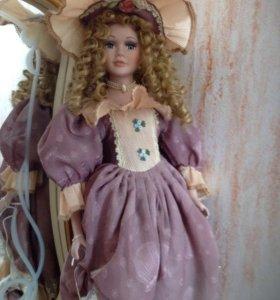 Фарфоровая кукла коллекционная