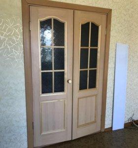 Продам распашные деревянные двери!