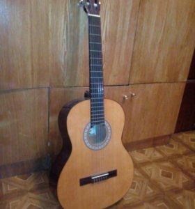 Продам гитару, срочно!