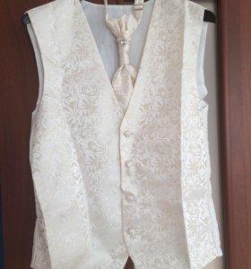 Жилет и галстук для жениха