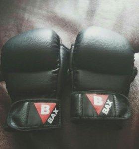 Перчатки боксерские с вырезом для пальцев
