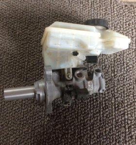 Продам главный тормозной цилиндр на шкоду А7 2014г