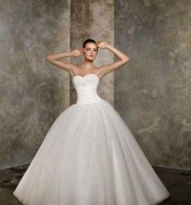 Свадебное платье +кринолин