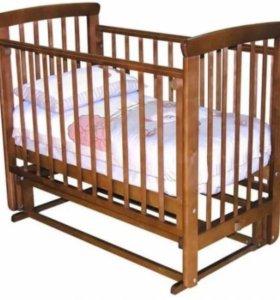 Кроватка-маятник с матрасом.