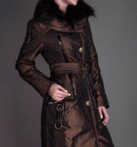 Новое демисизонное пальто с натуральным мехом р М