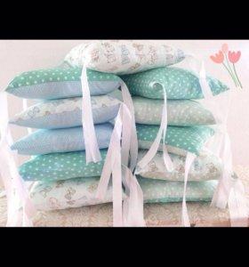 Бортики в кроватку (подушки)