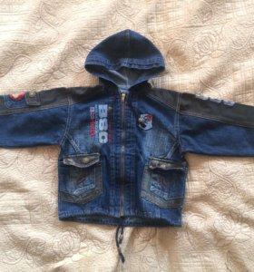 Куртка джинсовая на 3-4 года