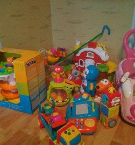 Молоток и шарик.игрушка развивающая