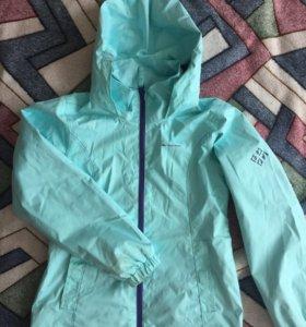 Куртка/ветровка на девочку