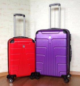 Комплект ударостойких чемоданов XS+M