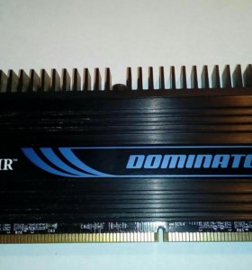 Corsair dominator 2 Gb DDR 3 10600 MHz